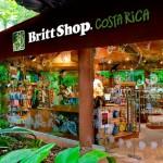 Café Britt ha diversificado su negocio a lo largo de los años. No solo poseen café gourmet sino también tiendas de souvenirs y un sólido negocio de exportación. Foto tomada del sitio grupobritt.com CRH