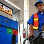 Gasolina bajará mientras que el Diesel tendrá aumento de 12 colones este país son a partir del domingo pasado 5,3; 4,9 y 4,5 dólares.EFE