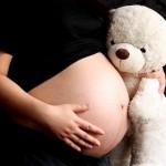Si el Gobierno hubiese cumplido con el traslado de recursos al PANI, la institución pudo entregar poco más de 184 mil becas mensuales de 60.000 colones a madres adolescentes. CRH.