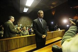 """Policía dice tener """"todas las pruebas necesarias"""" para el juicio de Pistorius"""