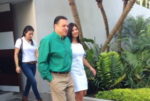 Johnny Araya y aspirantes a vicepresidencia sostienen reunión