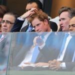 Cerquita del príncipe Harry, así vio expresidenta Chinchilla el partido de la Sele contra Inglaterra