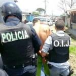 Capturan sujeto que se atrincheró luego de herir a su padre esta mañana