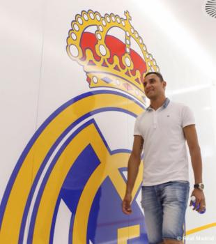 Keylor Navas se reúne con Carlo Ancelotti y reconoce sus habitaciones en el Real Madrid