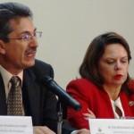 Gobierno firma decreto de reglamento para Ley de Banca para el Desarrollo