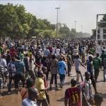 El presidente de Burkina Faso dimite luego de tres días de protestas masivas