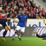 El Everton de Bryan Oviedo rescató un empate en su visita al Lille de Francia