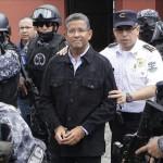 El Parlamento salvadoreño pedirá investigar a Flores por lavado de dinero