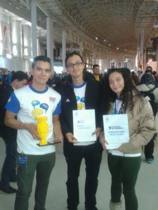Ticos ganaron sexto puesto en Olimpiada Mundial de Robótica, su proyecto ganó premio especial