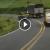 """Video muestra a patrulla de tránsito """"rayando"""" en curva y doble línea amarilla"""