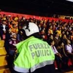 Incapacitaron a polícia agredido en final de fútbol