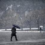 Un fuerte temporal de nieve deja 3 muertos y casi aislado el norte de Japón