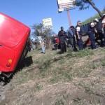 Vuelco de autobus deja varios heridos en la autopista General Cañas