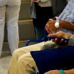 En el Caderón Guardia todavía faltan 230 camas, pacientes deben ser atendidos en los pasillos