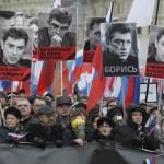 Miles de moscovitas comienzan una marcha en memoria de Nemtsov