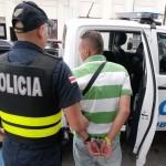 Atacan a policías en Alajuelita, cuando detenían a persona por pensión alimentaria