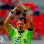 Contradicciones en el arbitraje costarricense: Concacaf lo premia y a nivel local le atacan