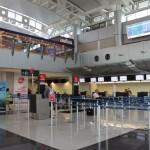 Aeropuerto Juan Santamaría reabrirá a las 6 de la mañana de este martes