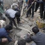 Terremoto de gran magnitud sacude Nepal y deja cientos de muertos