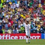 Ronaldinho humilló al América y se llevó los aplausos del Azteca