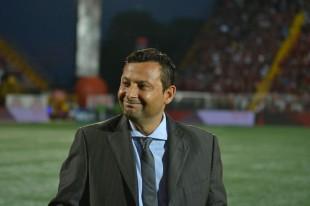 Jeaustin Campos seguirá siendo el técnico del Deportivo Saprissa