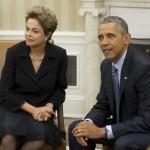 El presidente de EE. UU. Barack Obama y la mandataria brasileña Dilma Rousseff se reúnen en la oficinal oval de la Casa Blanca este 30 de junio del 2015. AFP