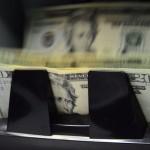 Sugef alerta sobre el riesgo de que un 31% de los deudores en dólares no ganan en esta moneda