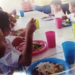 Hay 241 comedores escolares ofreciendo alimentación en cantones afectados por emergencia