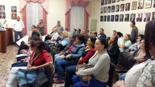 Vecinos de Goicoechea vuelven a manifestarse por mal estado de las calles