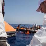 Guardia Costera italiana rescata a 345 inmigrantes frente a las costas libias