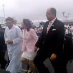 """""""Echen agua bendita"""", """"no al aborto""""; así recibieron a presidente Solís en la Basílica"""