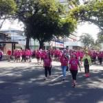 Paseo Colón se tiñe de rosa en carrera contra el cáncer