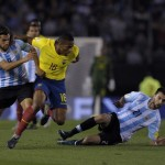 Ecuador irrespetó a una Argentina que no brilla sin Messi