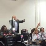 Se aviva discusión de denuncia contra empresas de Antonio Álvarez