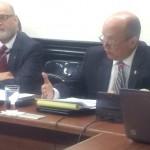 Otto Guevara pide que se eliminen 300 plazas en Asamblea