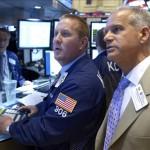 Wall Street abre con números mixtos